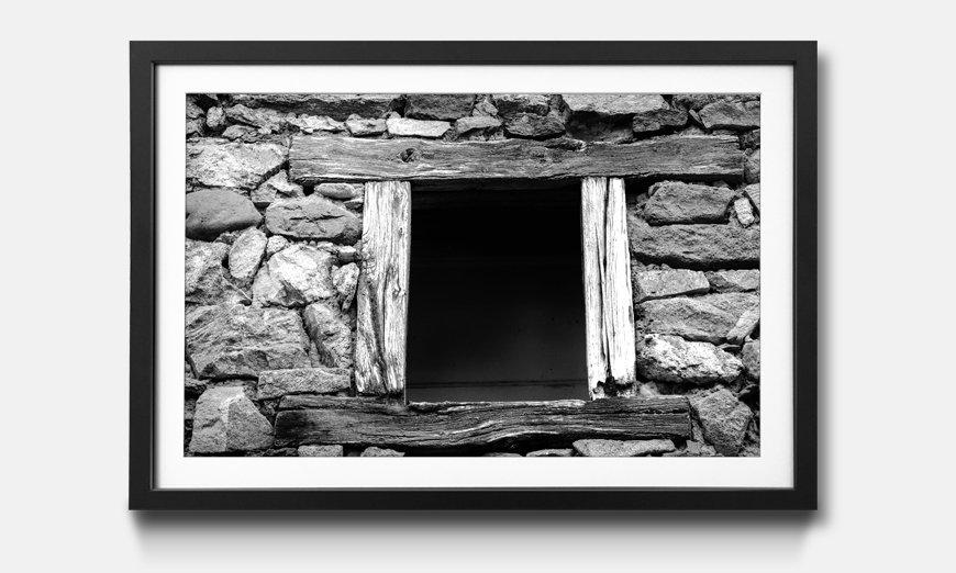 Das gerahmte Wandbild Window with Old Wooden