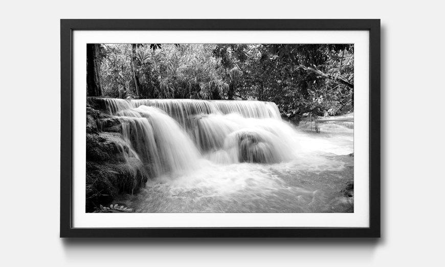 Der gerahmte Kunstdruck Waterfall in the Jungle