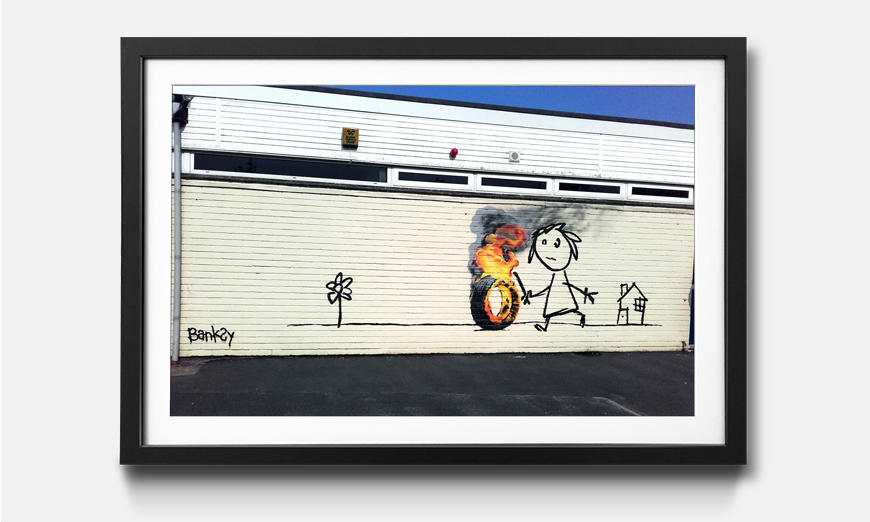 Wandbild gerahmt: Play With Fire